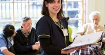 Alumna del MAS lidera proyecto innovador de atención a adultos mayores