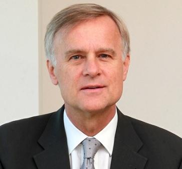 Klaus Schmidt-Hebbel se refiere a cómo mejorar las pensiones en Chile