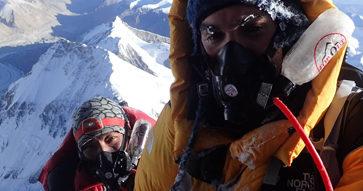 """Juan Pablo Alcalde en su expedición al Everest: """"Sientes muy presente el significado de la muerte."""""""