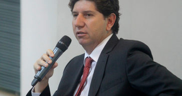"""Entrevista a Rodrigo Cerda: """"El Presupuesto 2017 es neutral o marginalmente austero"""""""