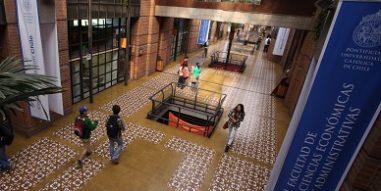 Escuela de Administración de la Universidad Católica recibe máxima reacreditación de organismo internacional