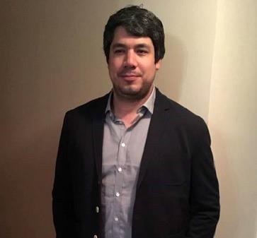 """Rafael Rojas: """"El programa me entregó un sin número de herramientas para mi vida profesional"""""""