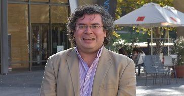 """Héctor Madrid, investigador de comportamiento organizacional: """"Creo que el protocolo del Minsal previene los niveles de presión en el trabajo""""."""