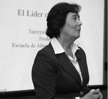 """Nureya Abarca, autora del libro """"Negociación inteligente"""": """"La empatía es clave en una buena negociación""""."""