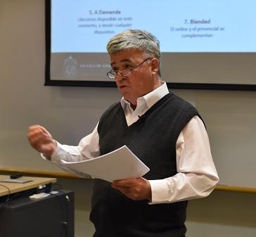 Las ventajas de la educación online en marketing según profesor Pablo Marshall