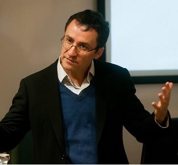 """Marcos Singer, director del Diplomado en Gestión de Operaciones y Logística: """"La uberización es una tendencia a nivel organizacional"""""""