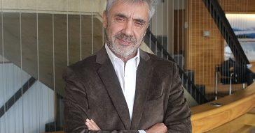 """Álvaro Sylleros, profesor del Magíster en Innovación UC: """"Todos somos diseñadores de experiencia"""""""