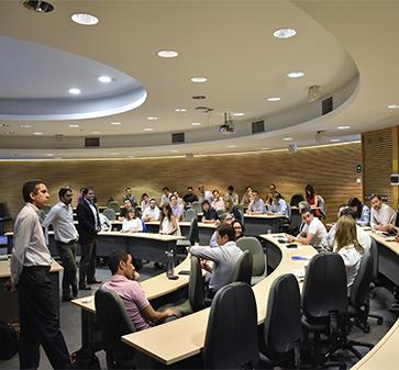MBA UC inicia proceso final para la selección de los 60 mentores que acompañarán a los ganadores de Impulso Chileno
