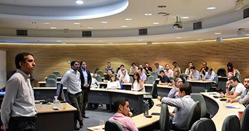 MBA UC finaliza sus Kick Offs con los candidatos a mentores para Impulso Chileno