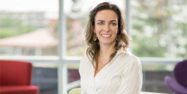 """Denisse Goldfarb, profesora del Diplomado en Gestión de Personas UC: """"Claves de la empleabilidad en la era digital"""""""
