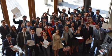 Programas Corporativos UC: Alumnos se gradúan del Diplomado en Liderazgo y Habilidades Directivas del Servicio de Impuestos Internos