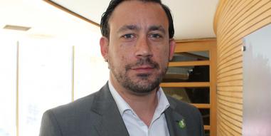 """Ruben Gennero, académico del MAS UC: """"La innovación en salud lo que hace es dar vuelta el sistema desde la organización al usuario: que todo se organice en torno a él, destacando su satisfacción y experiencia como algo fundamental para el área"""""""
