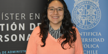 """Samantha Juárez, alumna MGP 2018: """"Mi experiencia en la UC ha sido totalmente enriquecedora a nivel profesional y personal, gracias a que son una institución con altos estándares y con un gran cuerpo académico"""""""