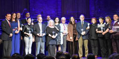 Profesores de la Escuela de Administración fueron reconocidos en la celebración de los 30 años del Centro de Extensión UC