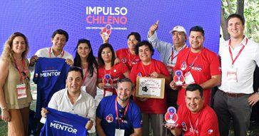 En compañía de sus mentores MBA UC, los ganadores de la segunda versión de Impulso Chileno fueron premiados en la Gran  Final