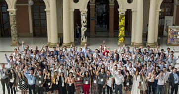 Director de la Escuela, José Tessada, recibe a nuevos alumnos del MBA UC, invitándolos a convertirse en agentes de cambio