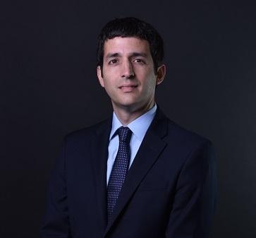 Mauricio Larraín, académico de la Escuela, participó en seminario sobre situación financiera de aerolíneas