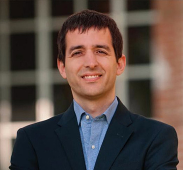 Profesor Mauricio Larraín recibió nombramiento como editor asociado del Journal of Banking and Finance